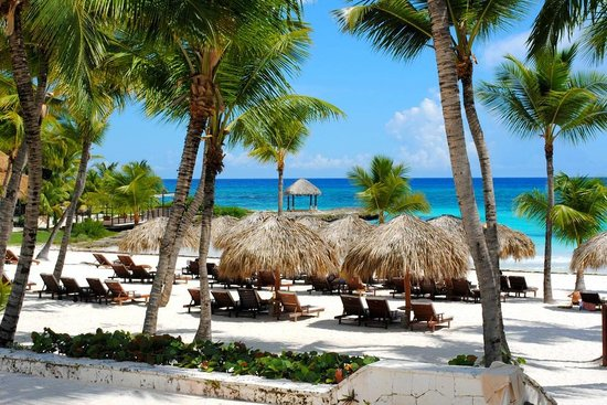 Eden Roc at Cap Cana: Club de Playa