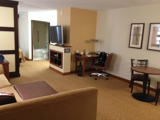 Hyatt Place Raleigh-Durham Airport: desk/sitting area