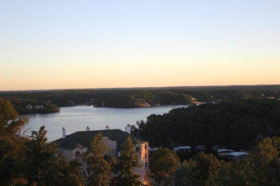 Savannah Grille: Sunset dinner view