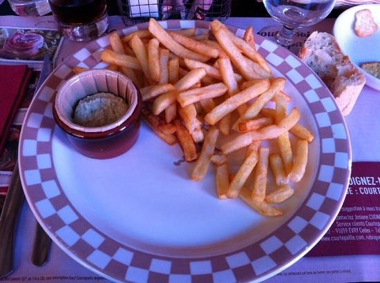 Grill Courtepaille : accompagnement frites sauce roquefort