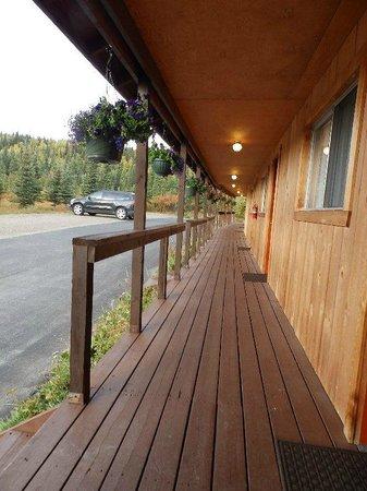 White Moose Lodge: hallway