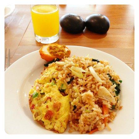 Ananta Legian Hotel: Buffet Breakfast