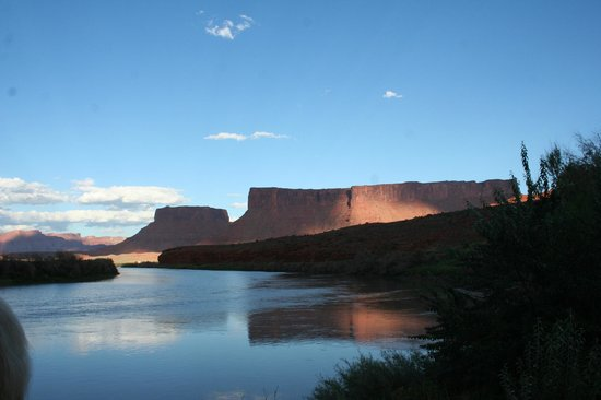 Red Cliffs Lodge: view from the deck below