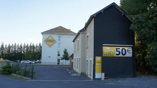 Premiere Classe Bayeux : Main building