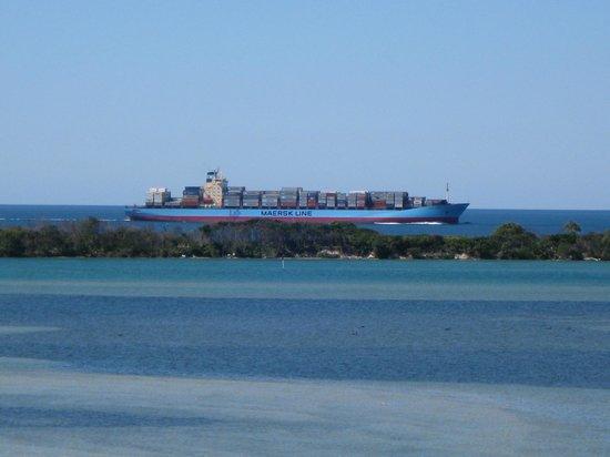 Gemini Resort: Ship passing by