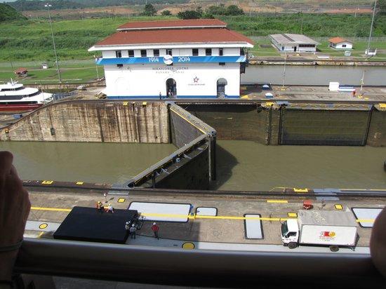 Panama RoadRunner Transportation : Miraflores Locks