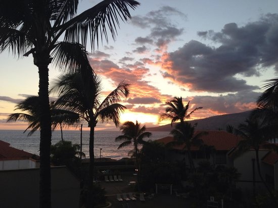 Maui Beach Vacation Club: Sunset from our Lanai