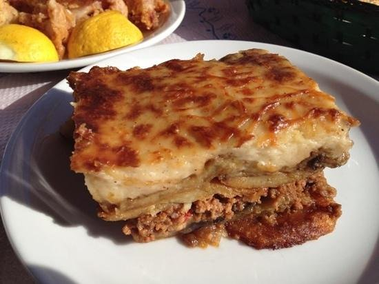 Restaurant Captain John: this moussaka was as good as any, thank you mama Maria