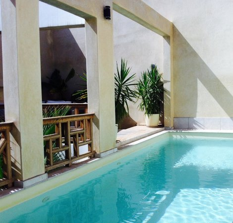 Riad tm nights: Piscine