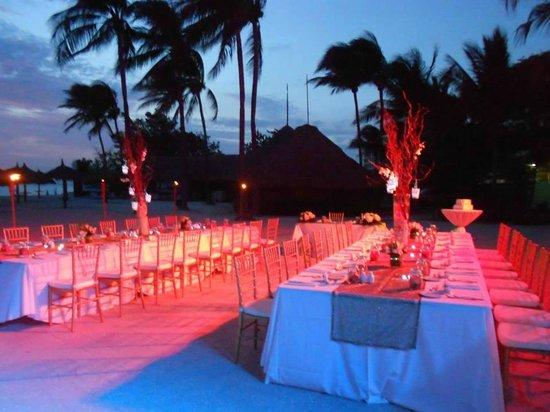 The Wedding Setting  - Picture of Aruba Marriott Resort & Stellaris