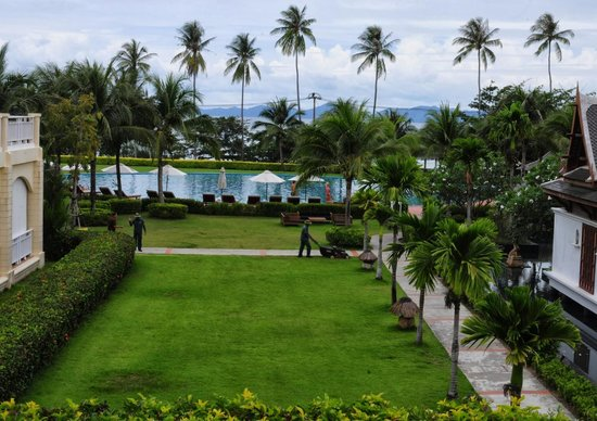 Sofitel Krabi Phokeethra Golf & Spa Resort: The view from the lobby