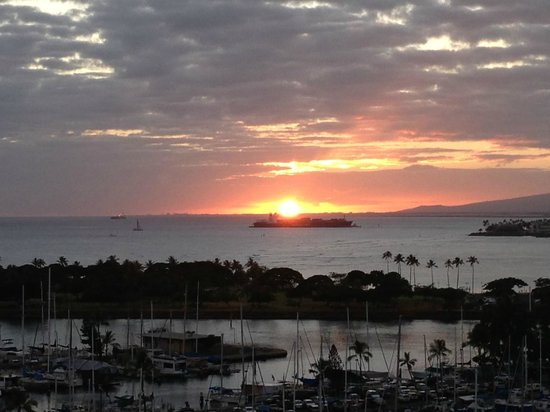 The Modern Honolulu: Another amazing sunset!