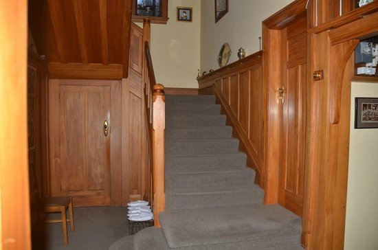 Sefton Homestay Bed and Breakfast: Stairs