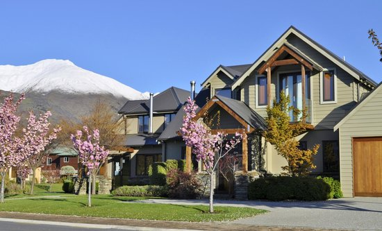 Wanaka Luxury Apartments : Spring time