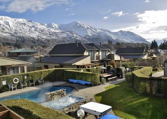Wanaka Luxury Apartments: View from Two & Three bedroom Apartment