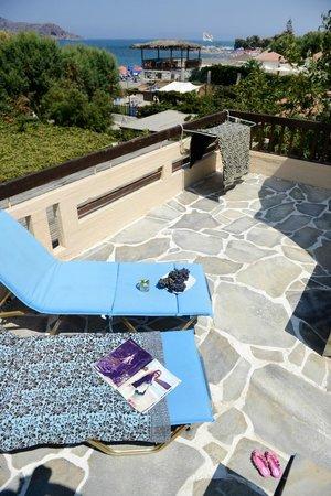 Ilias Apartments: Balcony