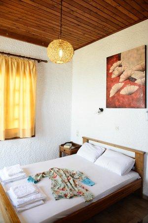 Ilias Apartments: Bedroom