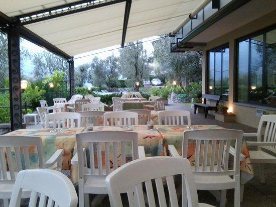 Hotel Rosemarie: Terrasse