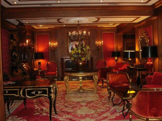 Pine Inn: Lobby of hotel