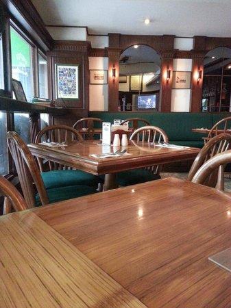 Murphy's Irish Pub and Restaurant: inside seating
