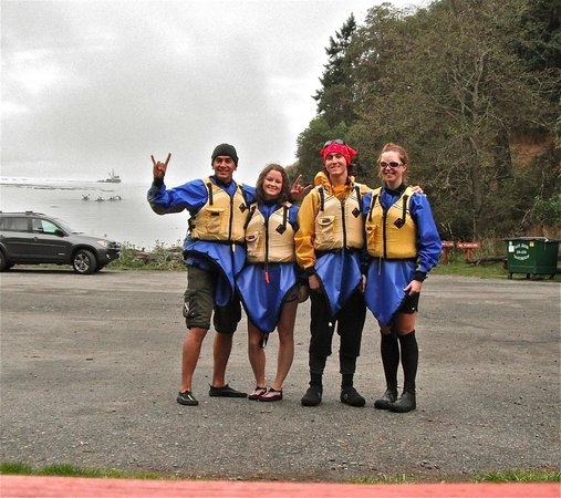 Discovery Sea Kayaks : me & stacy with kasey and sara