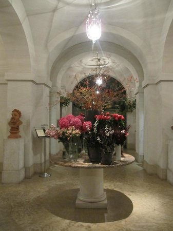 Hotel De Russie: Evening Lobby shot! Fantasticaly beautiful!