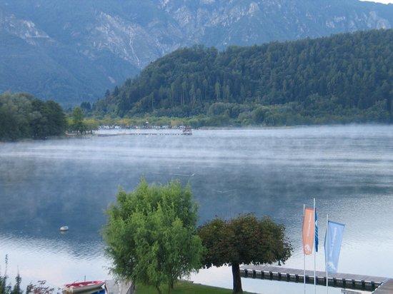 Parc Hotel Du Lac: Vista lago dal terrazzo