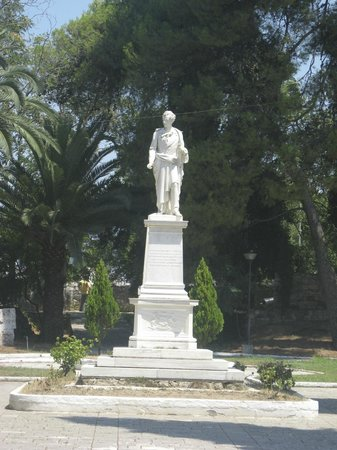 Byron in the Garden of Heroes