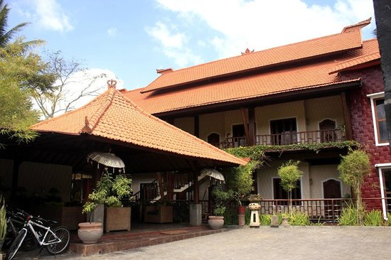 Junjungan Ubud Hotel and Spa: Hotel Exterior