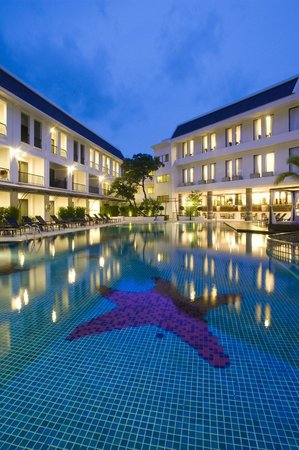 Sawaddi Patong Resort & Spa: Swimming Pool