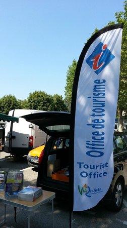 Office de Tourisme D'Etoile sur Rhône : Intervention sur le marché du Beauvallon
