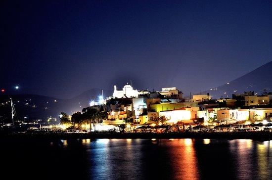 Paros Bay Hotel : Parikia by night