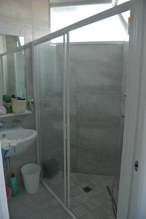 Hotel Mexico: bagno e doccia nuovi e spaziosi