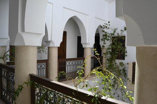 Riad Dar Zaman : Galeria patio interior