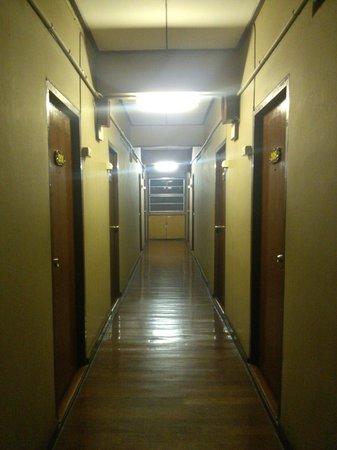 Lai-Thai Guest House: hallway