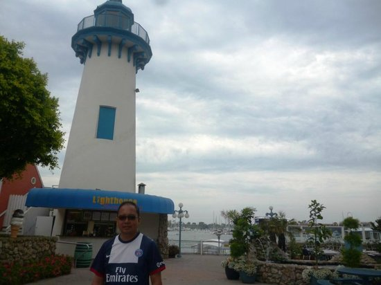 Fisherman's Village: Lighthouse of Marina del Rey