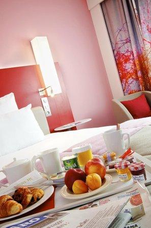 Mercure Paris Montmartre Sacre Coeur: Petit déjeuner en chambre