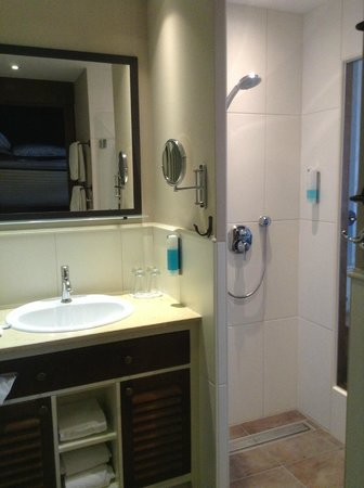 """Hotel """"Bell Rock"""" Europa-Park: bagno della camera"""