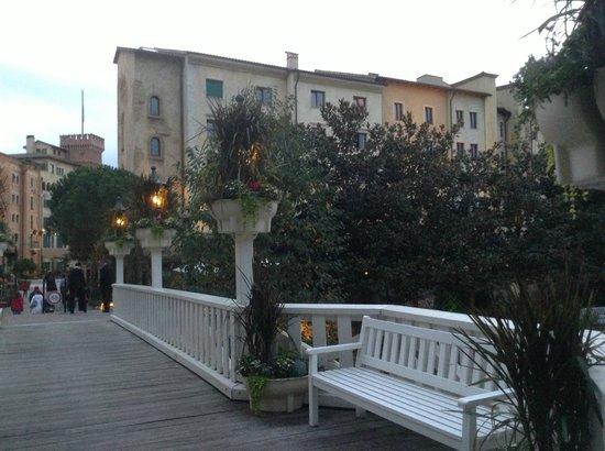 "Hotel ""Bell Rock"" Europa-Park: verso l'ingresso al parco"