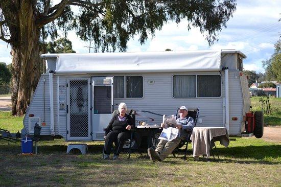 Melbourne BIG4 Holiday Park: Taken elsewhere but we set-up our rig easily Big4 @ Coburg