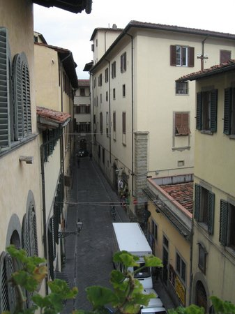 Botticelli Hotel: A view from the public balcony, along Via Taddea to the left.