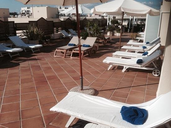 Royal Plaza Hotel : zwembad