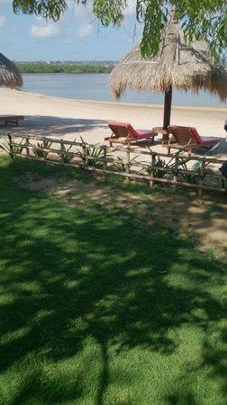 Peninsula Bay Resort: Bay beach