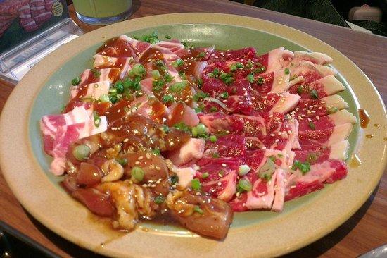Tajimaya Yakiniku: Raw beef and chicken