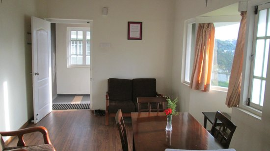 Sabol Holiday Resorts: Living area in morning