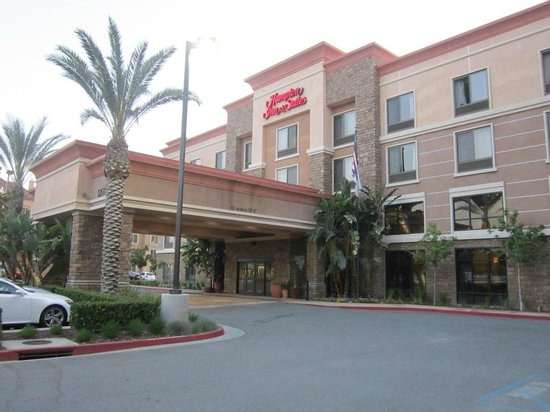 Hampton Inn & Suites Moreno Valley: Hotel front