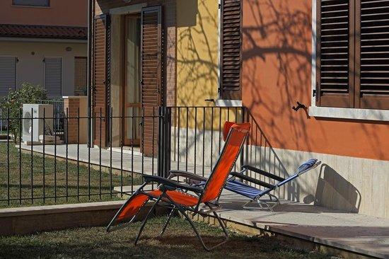 Appartamenti le Terme: Задний дворик