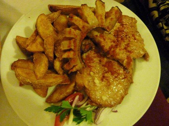 Kék Rózsa Restaurant: Medaglioni di carne con patate