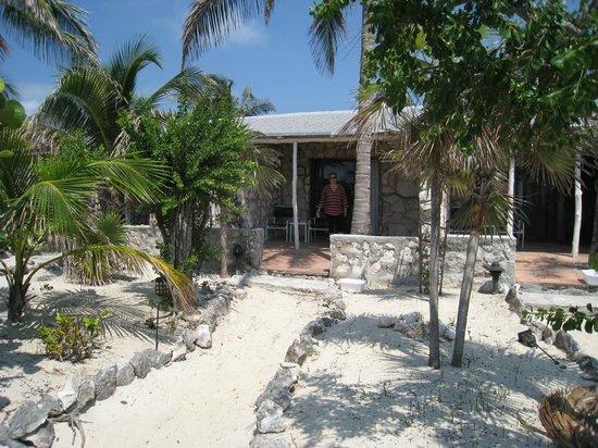Fernandez Bay Village : Bungalow accès direct plage