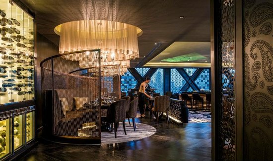 Maya Restaurant and Bar: Maya Interior